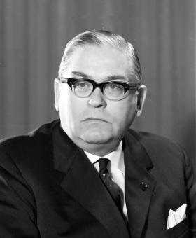 Dr. Anton Köchling