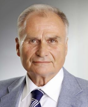 Dr. Jörg Twenhöven